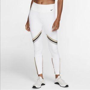 Nike One Icon Clash Leggings - NWT ✨